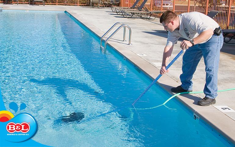 Aprenda a fazer de forma correta a manuten o de piscinas for Formas para piscinas